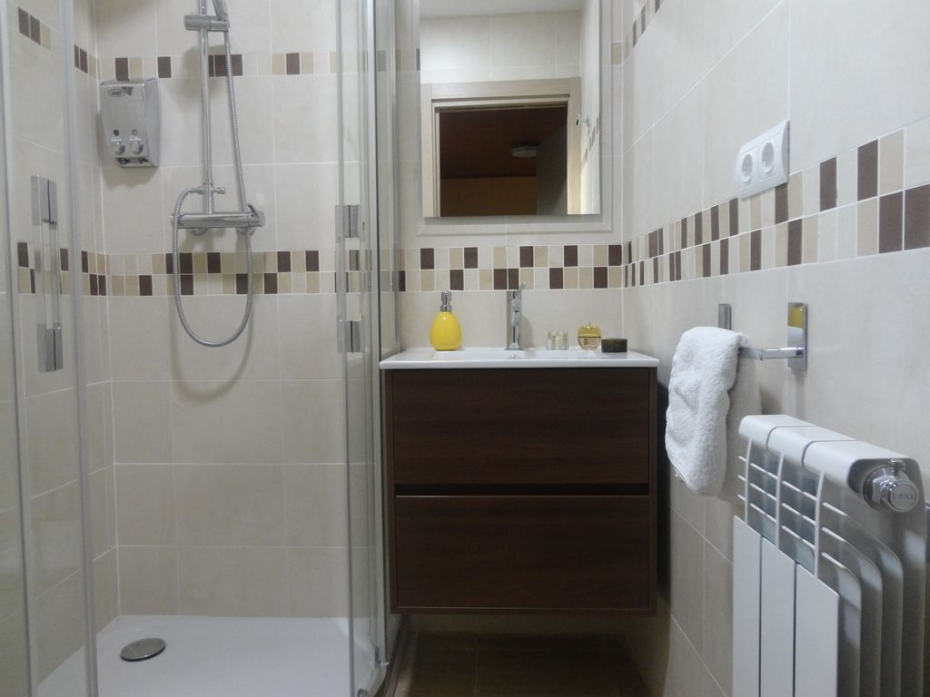 casa-oliva-bodegueta-banos1